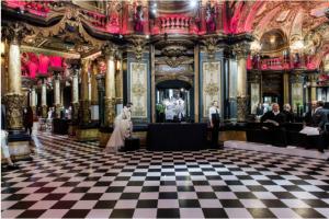 visite virtuelle pendant le confinement  Le Musée Grévin Madame M Les Voyages
