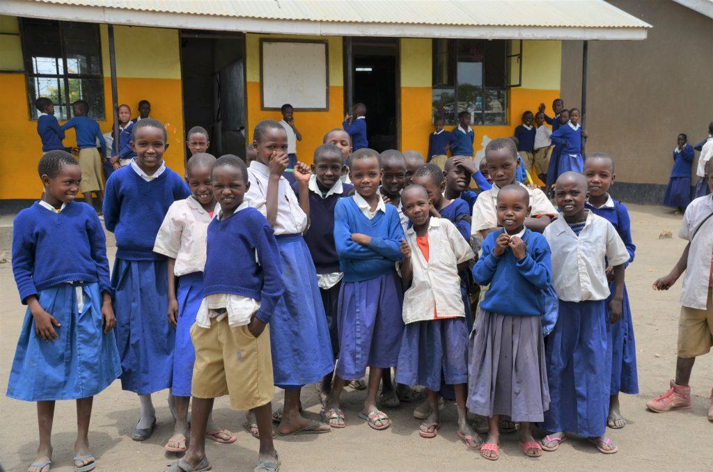 Madame M les Voyages  Notre rencontre avec les Massaïs de Tanzanie les enfants de l'école