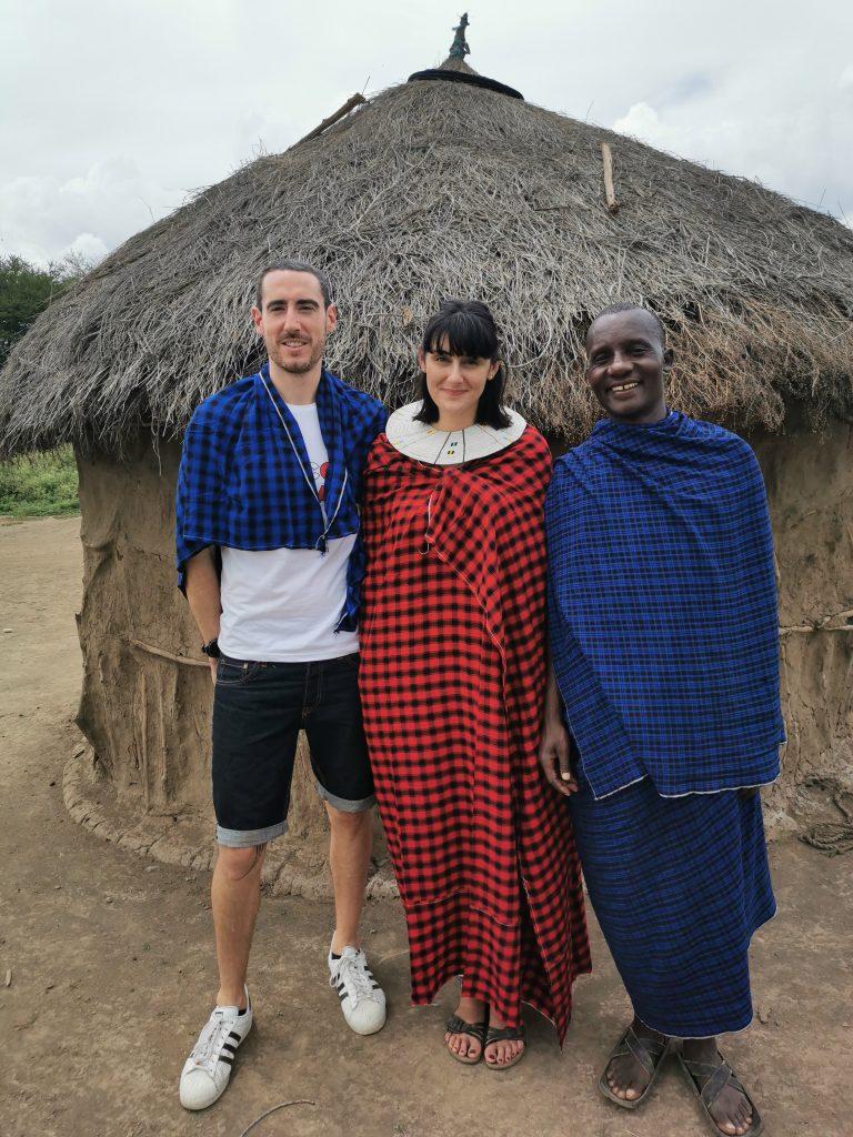 Madame M les Voyages  Notre rencontre avec les Massaïs de Tanzanie des vrais Massaïs