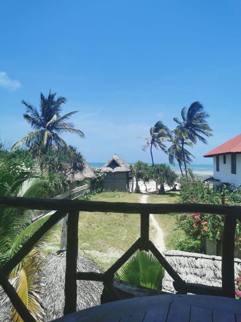 Madame M les voyages blog voyage  Découvrir Jambiani et Paje à Zanzibar Poa restaurant