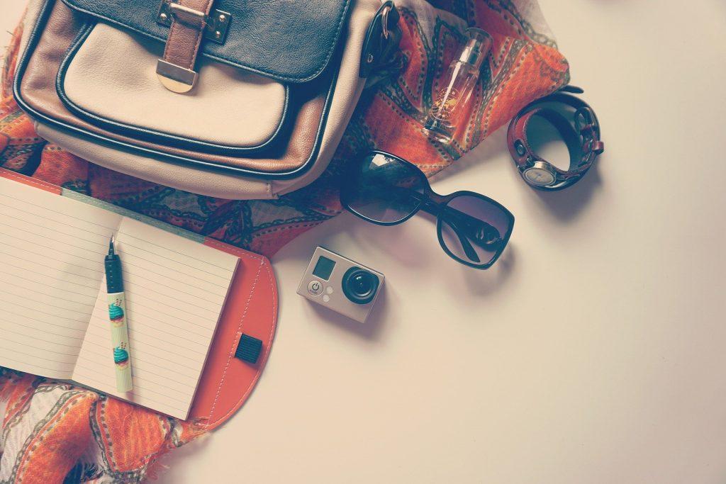 Madame M les Voyages  blog voyage  préparer son voyage en Tanzanie et Zanzibar Les indispensables de la valise