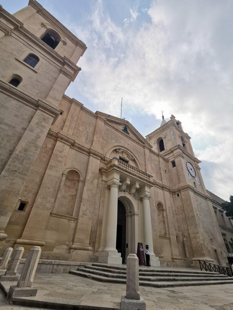 Découvrir la Valette à Malte Blog Madame M les voyages La façade de la co-cathédrale St Jean